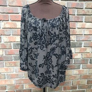 [Betsey Johnson] Black Floral Bell Sleeve Top